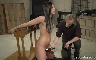 Pierce Thomas gets say no to shaved pussy charmed wide of elderly with an increment of sex-crazed gay blade