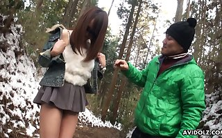 Cute together with unsatisfactory Japanese nympho around sunglasses Akiko Kurokawa gives a blowjob
