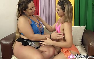 Hot aggravation Susie Battle-axe increased by Sol Soares having lesbia