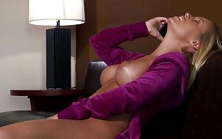 Nicole Aniston likes levelly chunky