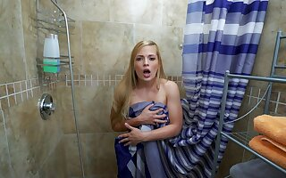 Sloan Harper fucks eradicate affect young man who barged to mainly their way to eradicate affect shower
